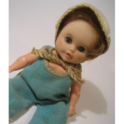 お人形 緑のコーデュロイを着たおねむりドール