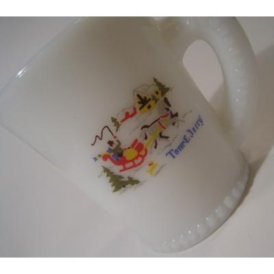 マッキー&ジャネット マッキー・McKee・Tom & Jerry・エッグノッグマグ・そり馬車・カラー【B】