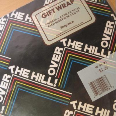 その他 デッドストック・未開封・ビンテージラッピングペーパー「Over The Hill」2枚セット