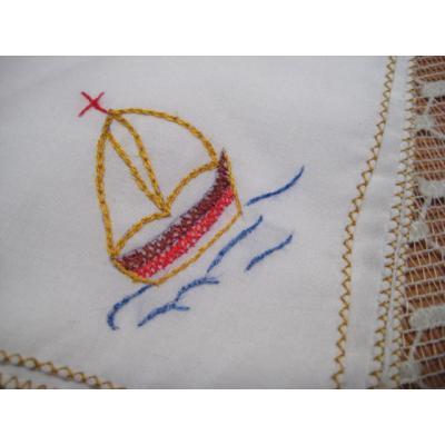 ファッション ヨット・手刺し刺繍ハンカチ