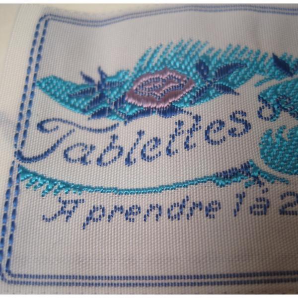 ビンテージ・デッドストック・刺繍タグ・Tablettes Merienbad・ピンクのお花とブルーアクセント【画像3】