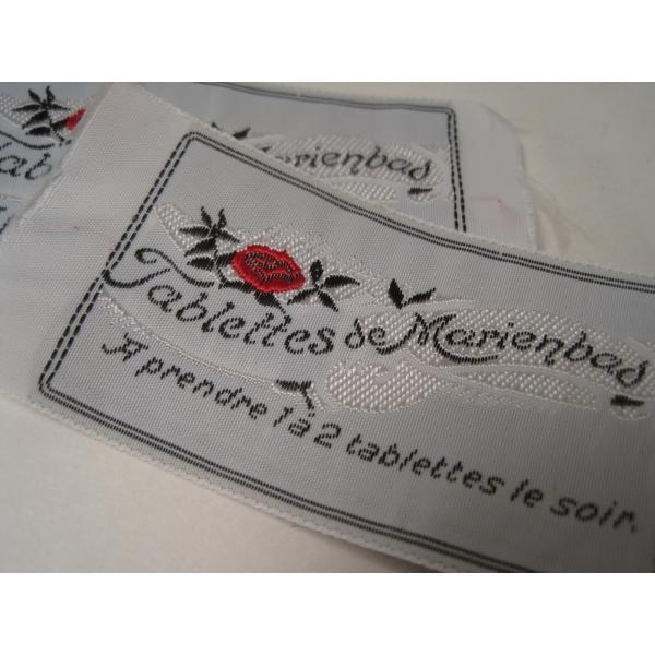 ビンテージ・デッドストック・刺繍タグ・Tablettes Merienbad・赤のお花とシルバーアクセント【画像4】
