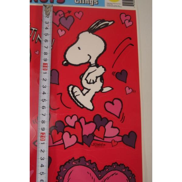 ヴィンテージ・スヌーピーと仲間たち・バレンタイン・レッドベース・ウインドウデコレーションシール【画像4】