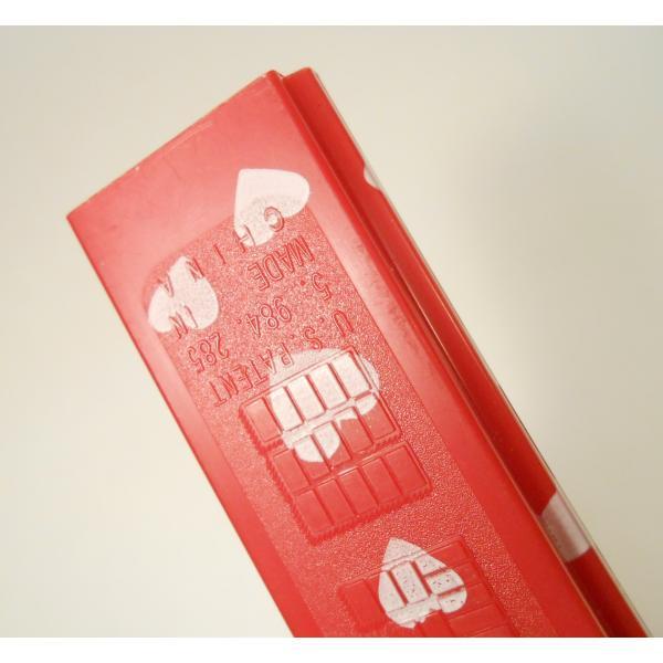 PEZ・ペッツ・バレンタインハート・Happy Valentine's Day・クリアレッドハート&赤ベース白ハートステム・中国製【画像7】
